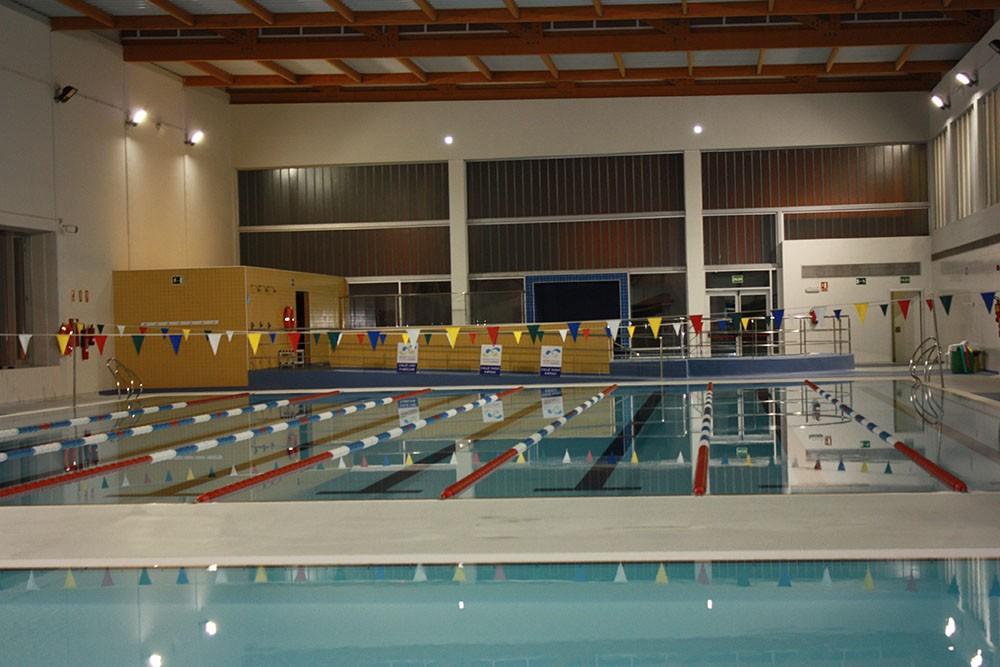 Piscina municipal cubierta paiporta zona de aguas for Piscina municipal cubierta